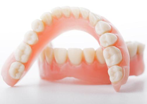 高齢者の方の治療・入れ歯
